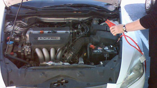 HOW TO RECHARGE A DEAD CAR BATTERY SAFELY AND QUICKLY