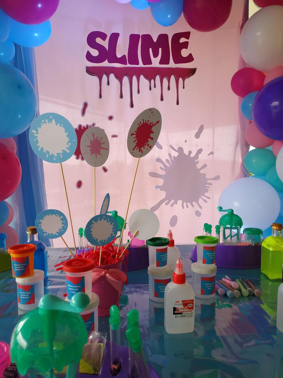 event birthday party barcelona slime decoration