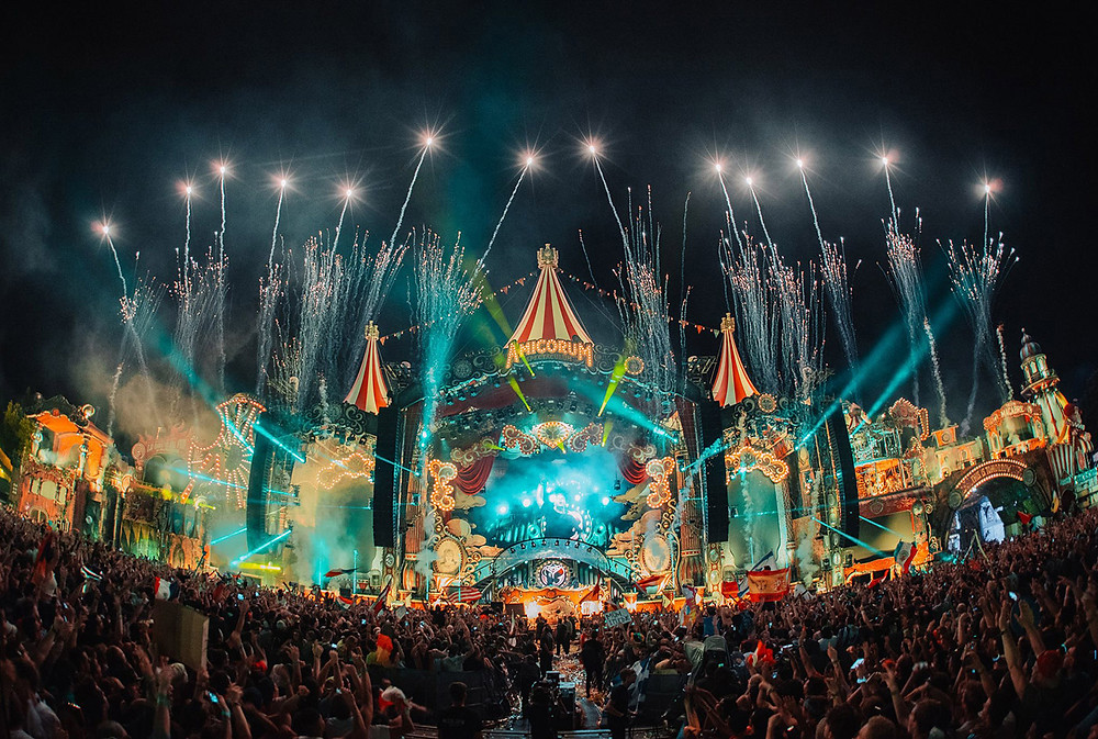 tomorrowland festival party