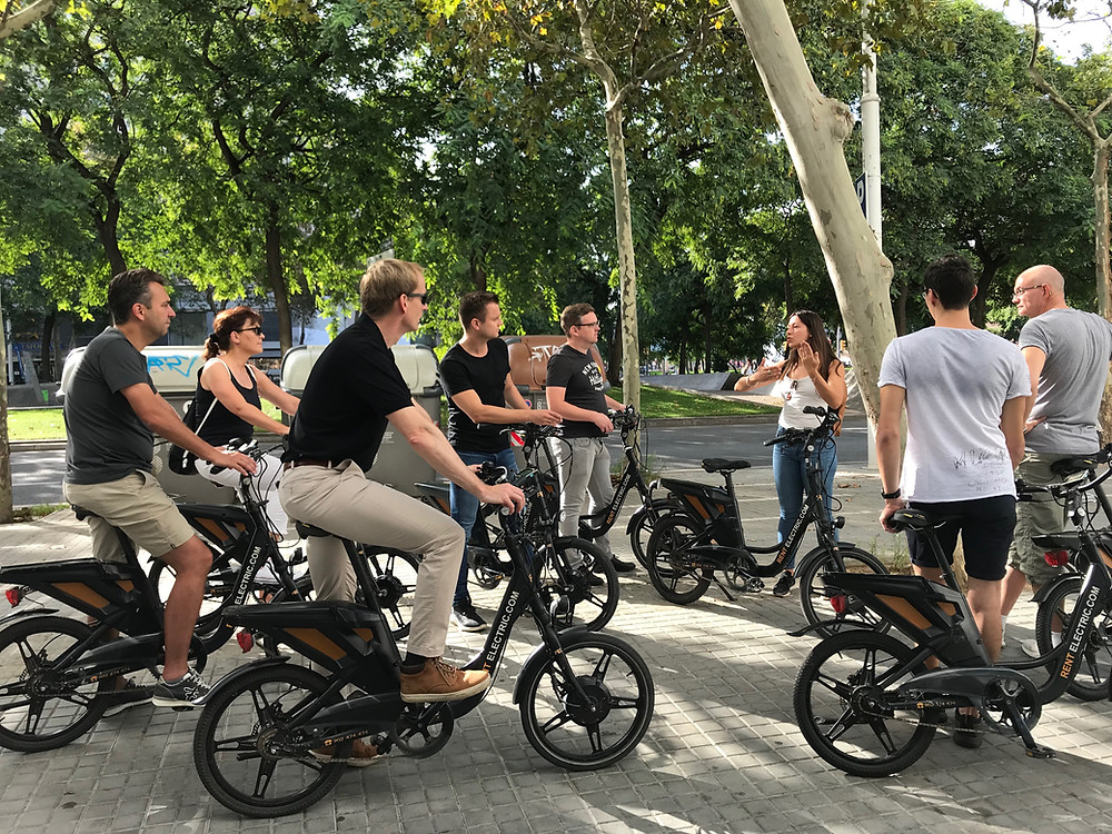 barcelona bike tour teambuilding event