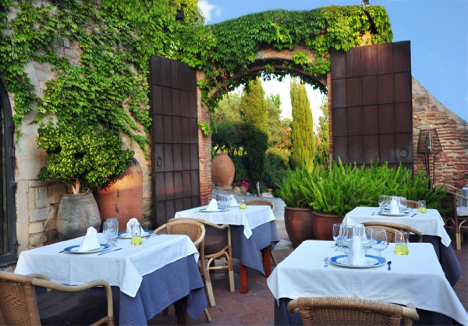 event barcelona restaurant garden trees flowers green outdoor