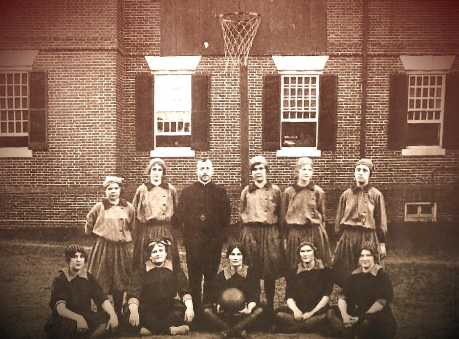 Springfield Women's Basketball Team