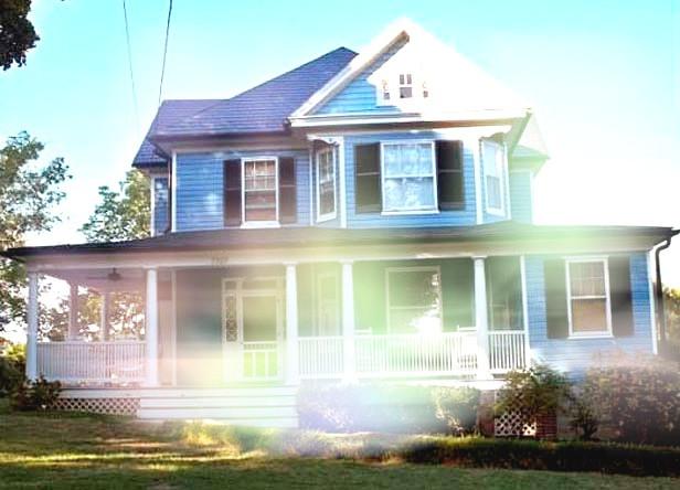Sykesville's Blue House