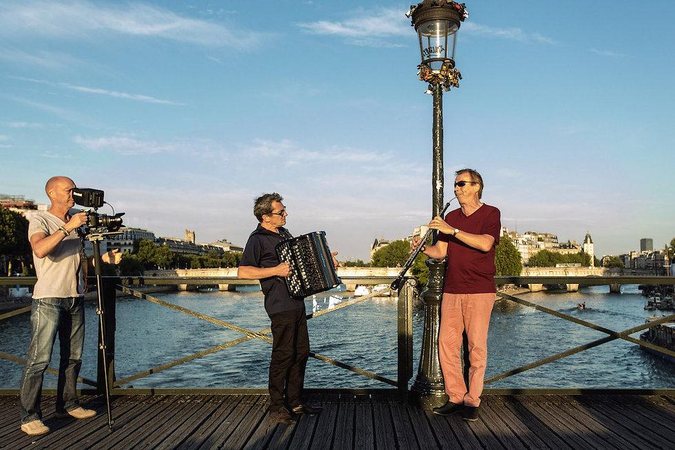 PR_PBS_pont_des_arts_-_léger.jpg