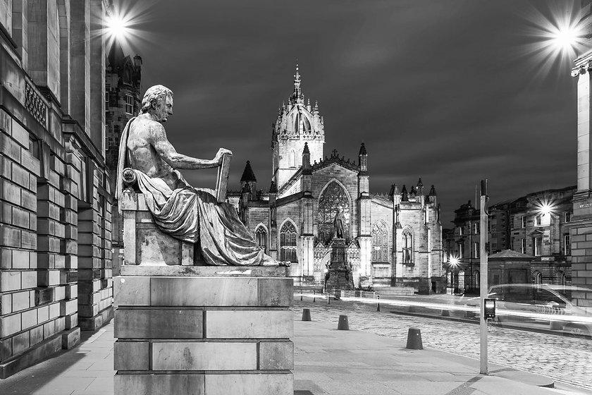 Hume Edimburgo Noturna_edited_edited.jpg