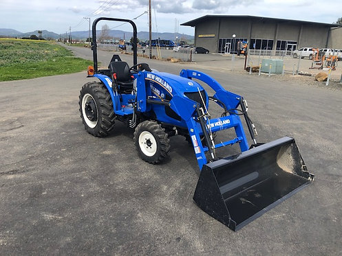 Used Workmaster 40 Tractor w/ new Loader 759 hrs 40HP Diesel 4WD