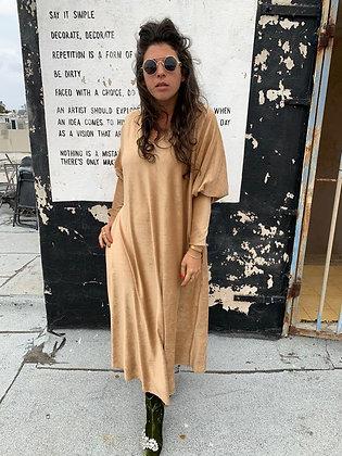 שמלת תראו תראו וי - קאמל קטיפה