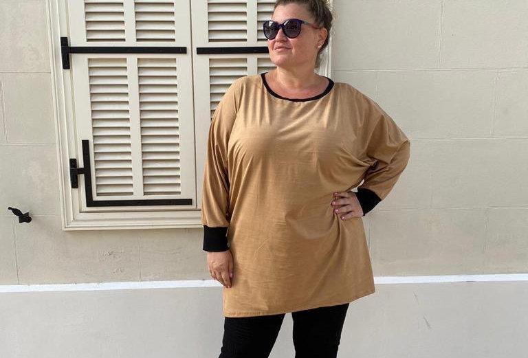 חולצת אובר דראפט - קאמל דמוי זמש