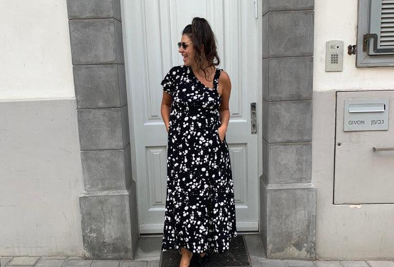 שמלת טרומפלדור - שחור טיפות לבנות