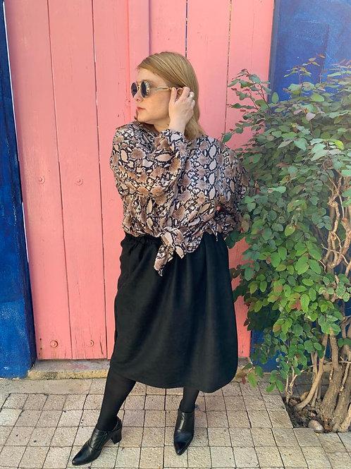 חצאית אל תציצו - שחור דמוי זמש