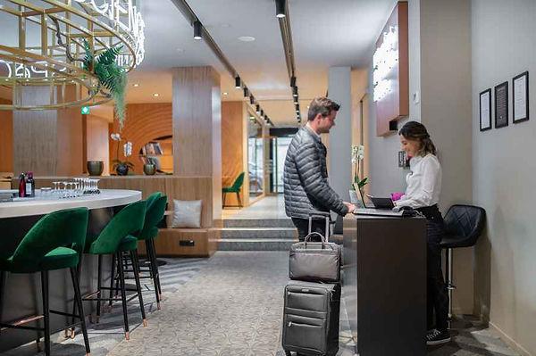 9-hotel-paquis-lobby-et-reception-1-.jpg