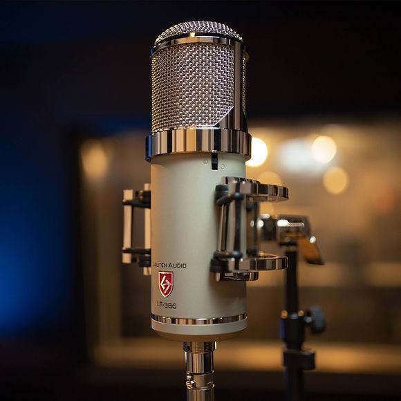 Lauten Audio Eden LT-386 in studio.