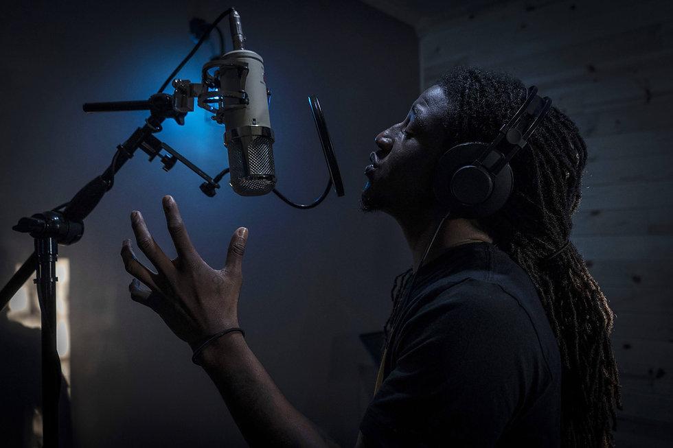 Lauten Audio Eden LT-386 and recording artist Josh Waters