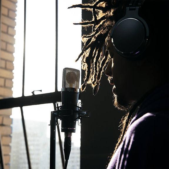 Lauten Audio LA-220 with Artist Yonex