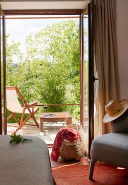 Room 3 - terrace with garden view
