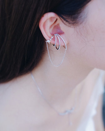 Line earrings with chain