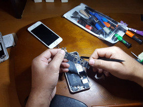 Phone Repairs for Refugees