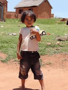 association,madagascar,enfants,solidarité,artisanat,malgache,humanitaire,montbrun les bains,école,secours alimentaire