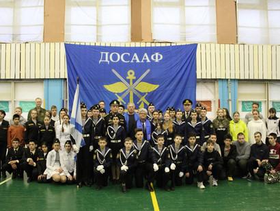 В Морской школе ДОСААФ России Петербурга прошли межрегиональные соревнования по морскому биатлону