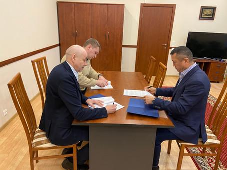 Подписано соглашение о сотрудничестве и взаимодействии между ДОСААФ России Санкт-Петербурга и Ленинг