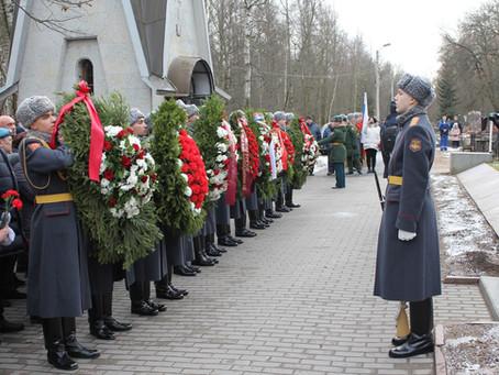 На Серафимовском кладбище почтили память воинов-интернационалистов