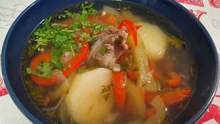 מרק שורפה בוכרי עם בשר כבש וירקות