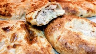 קובדארי - מאפה שמרים גרוזיני במילוי בשר ארומטי. חצ'פורי בשר