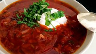מרק בורשט - מרק סלק המפורסם מהמטבח המזרח אירופאי