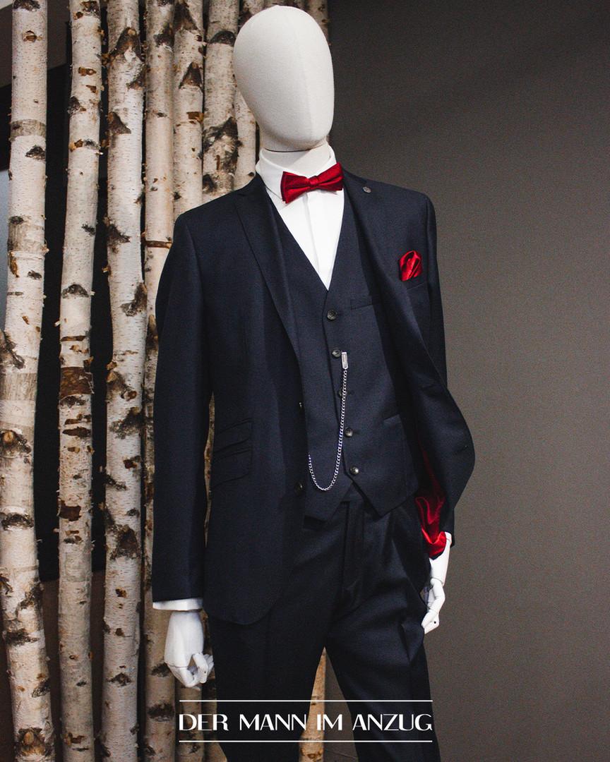 Anzug und Fliege