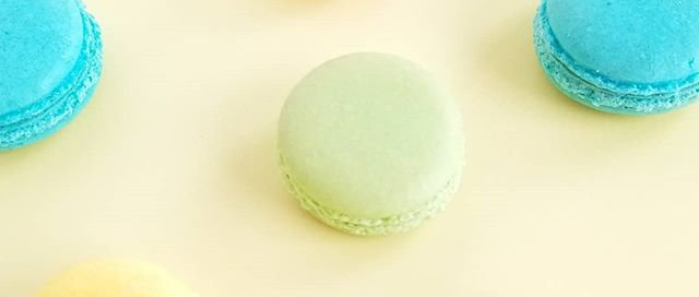 One Solid Color Custom Macarons 12 pk