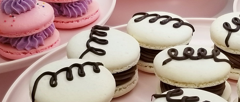 Fancy Macarons 24pk