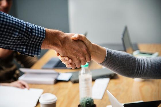 Art of The Make Or Break Handshake