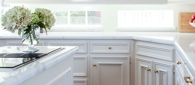 Cabinet Paint Colors to Pair With Painted Marble Countertops