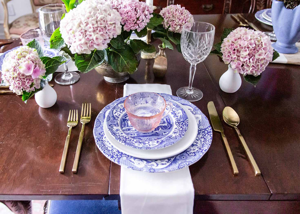 blue and pink grandmillenial dining room