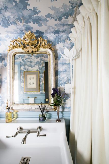 Shaun Smith Style | grandmillenial style bathroom