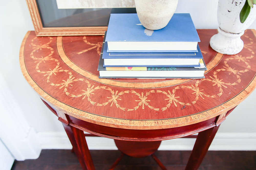 creating an entryway in a small space, wood inlay table