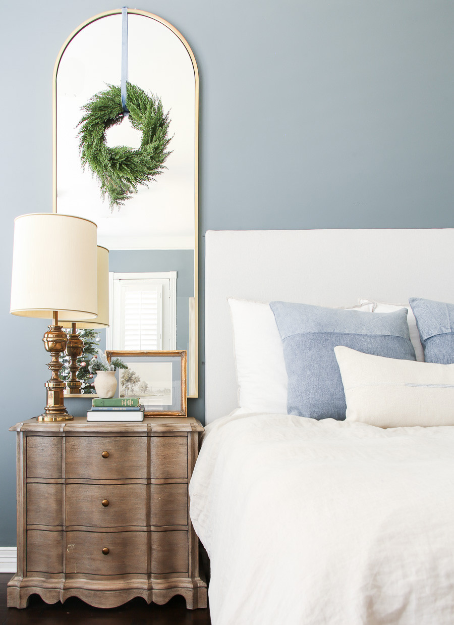 Blue and neutral Christmas bedroom decor