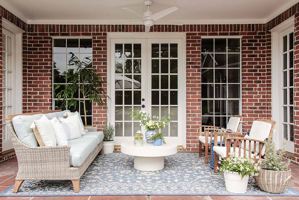 bue and white patio makeover inspiration