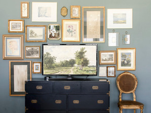 How to create a gallery wall like an interior designer