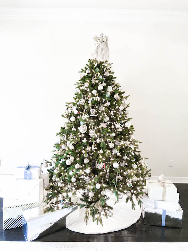 neutral white and gold christmas tree