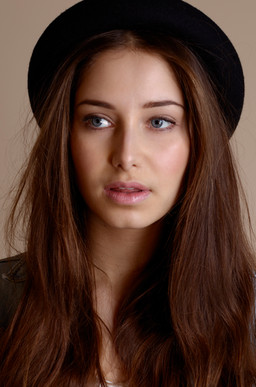 Gabi @ Alpha (Hannah Elizabeth) Fashion