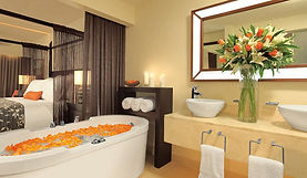 Secrets Wild Orchid junior suite bathroo