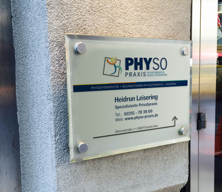 PhySo Praxis Firmenschild