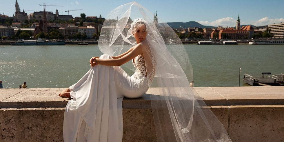 Daarlarna Couture 'Budapest' Collection Trunk Show