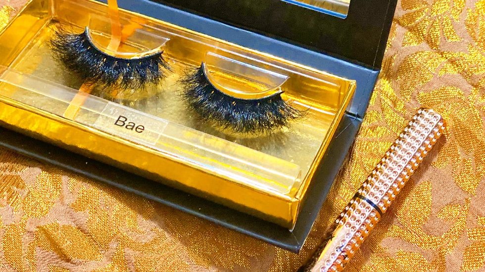 "3D mink eyelashes in ""Bae"""