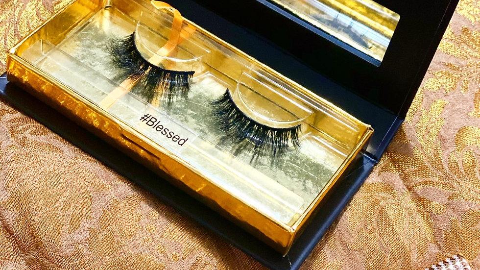 "3D mink eyelashes in ""#blessed"""