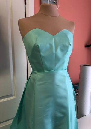 Lining for an alternative wedding dress
