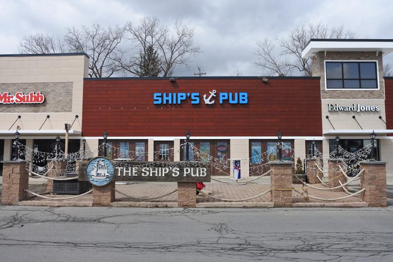 Ship's Pub Patio