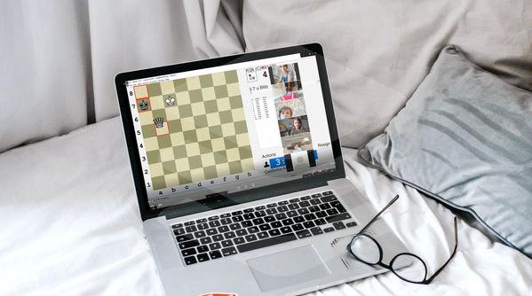 Online Chess Classes Lap Top 1 .jpg