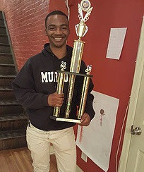 NM Azeez with Big Trophy.jpg